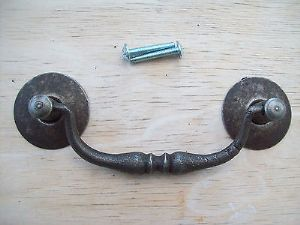 CAST IRON RUSTIC ANTIQUE CABINET CUPBOARD DRAWER DROP BAR SWING PULL HANDLE